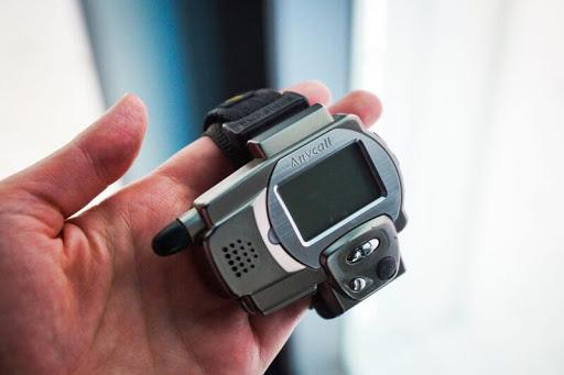 2- İlk Akıllı Saat, Samsung SPH-WP10 (1998)